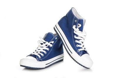 shooting chaussures sur fond blanc