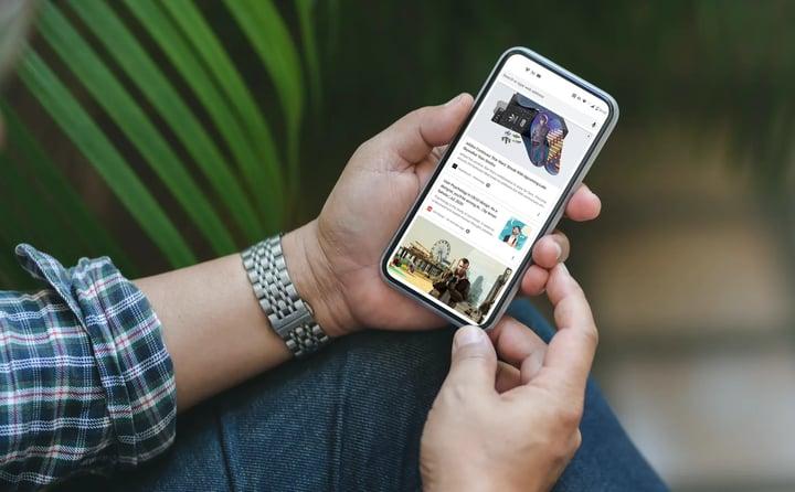 google-discover-smartphone